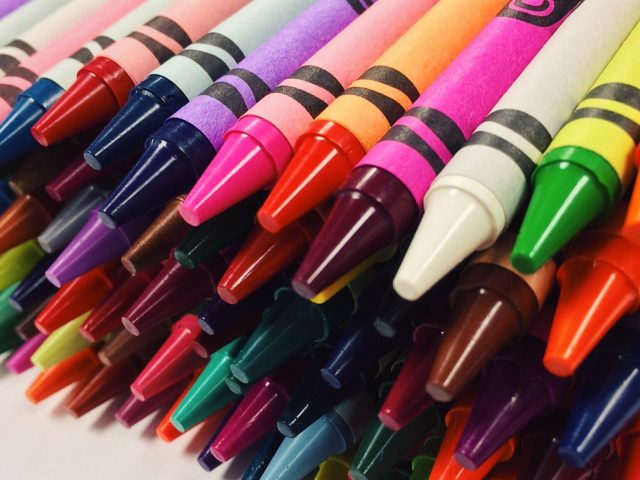 crayons-2667713_1920